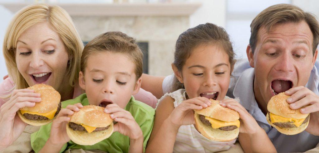 famiglia mangia mac donald